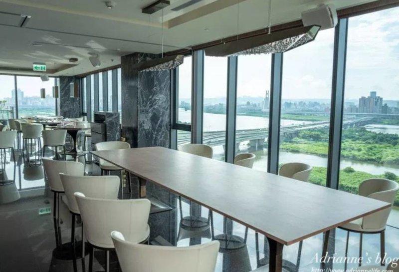 Catorze-頂級270度環景婚宴酒店