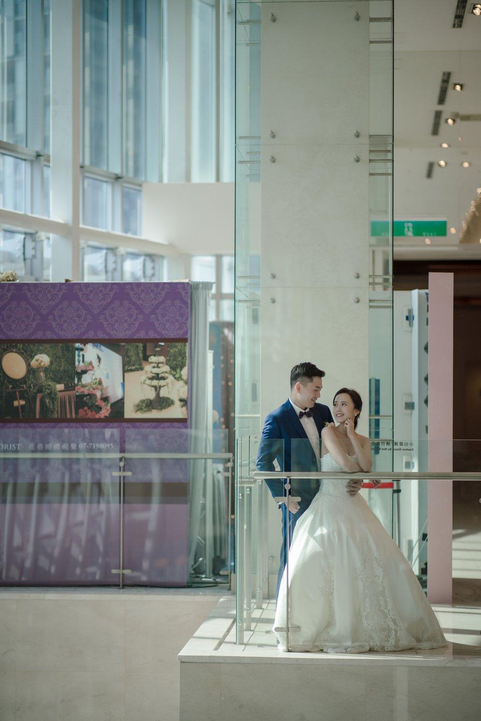 0112-712 - 幸福水魚影像工作室《結婚吧》