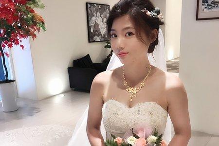 伊婷婚宴造型
