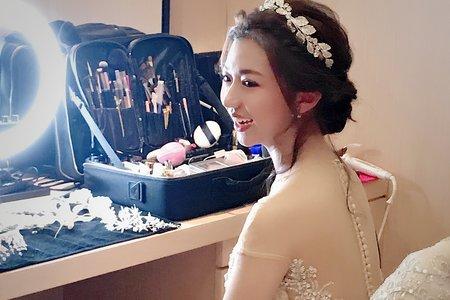 佩萱婚宴造型