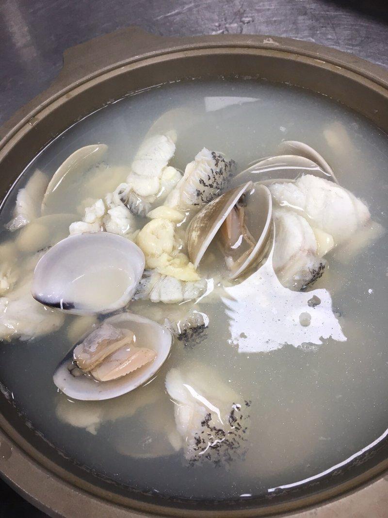 龍膽魚首大蛤鍋
