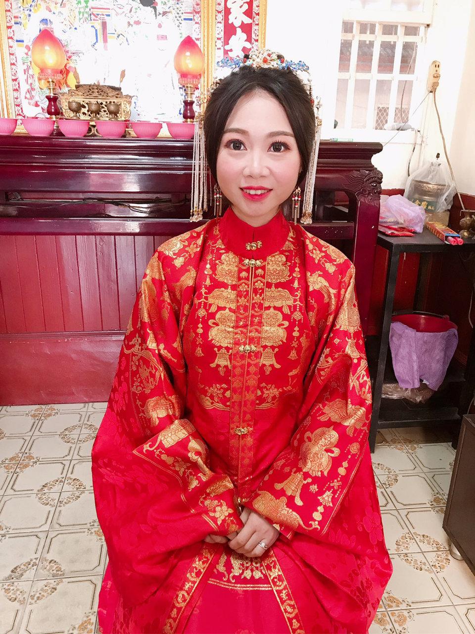 台中豐原新秘鄧芃芃,芃芃是經驗豐富的新秘,她滿足了我的困難要求,選她做為我的新秘覺得超值得的~
