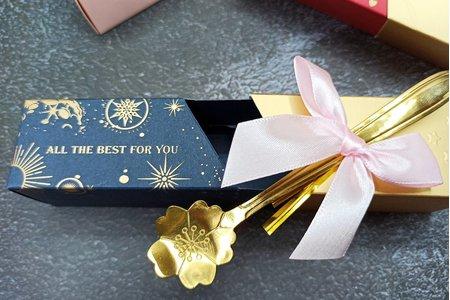 匙來的幸福-櫻花茶匙/金莎巧克力