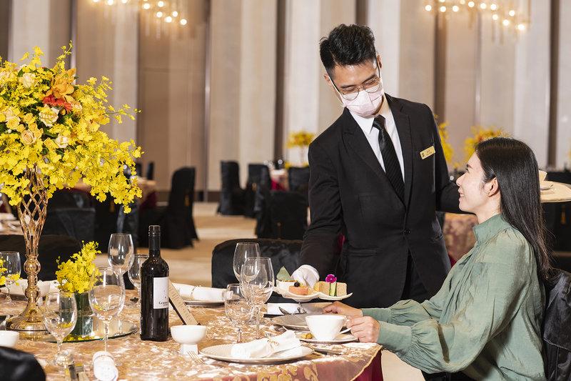 提供每桌獨立桌邊服務