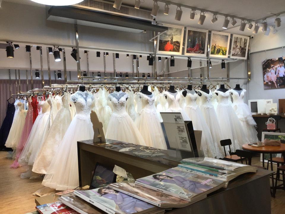 伊頓自助婚紗攝影工作室(新北板橋店),簡單明瞭、服務親切、超有耐心、幽默風趣