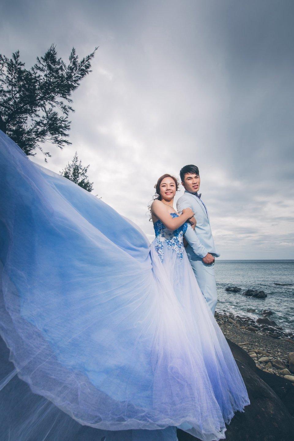 伊頓自助婚紗攝影工作室(台北西門店),結婚吧~伊頓的員工超讚的