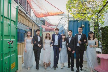 婚禮類婚紗~~貨櫃屋