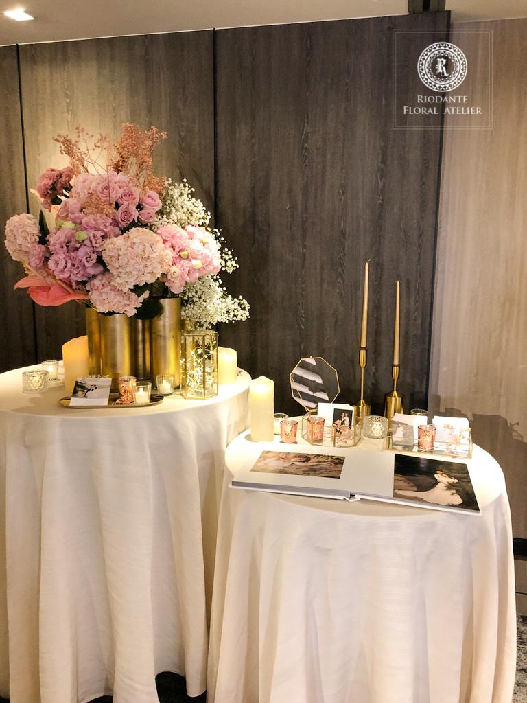 相本桌花藝佈置 - 里甌丹特花藝訂製 婚禮佈置《結婚吧》