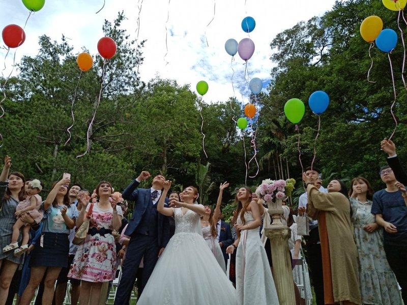 戶外證婚-放飛氣球