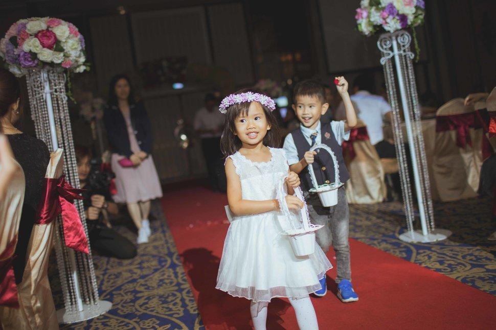 100 - 王竫 Photographer《結婚吧》