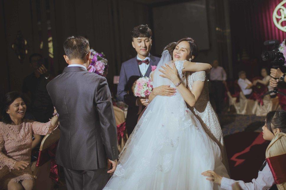 105 - 王竫 Photographer《結婚吧》