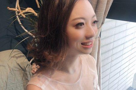 俏麗短髮新娘造型