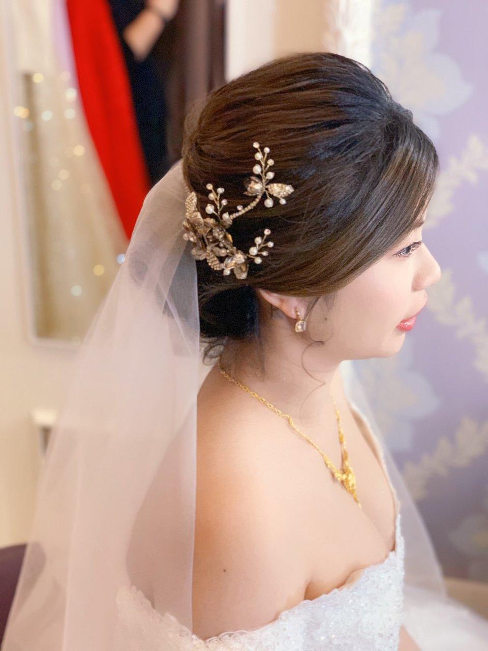 台北新秘erica lin專業新娘造型師,大推!!細心又專業的好老師👍