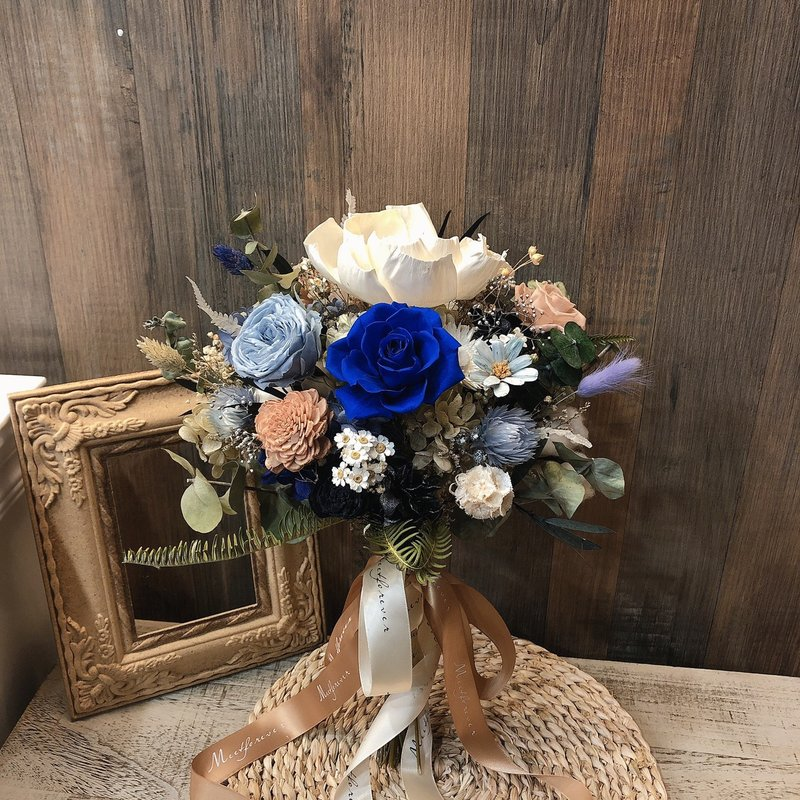 藍色仙子永生花捧花