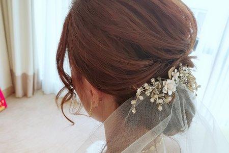 優雅線條低髮髻