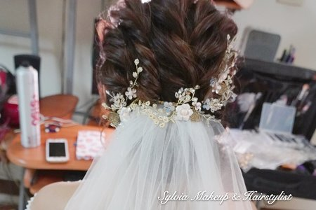白紗迎娶造型-線條感低盤髮