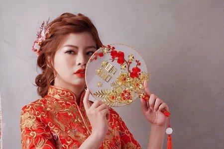 中式浪漫秀禾服造型
