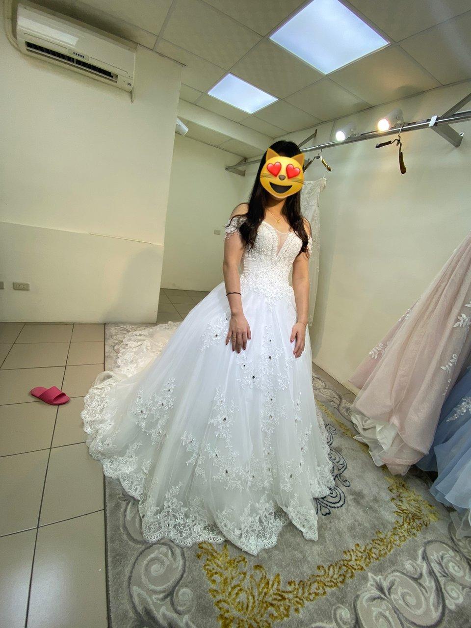 伊頓自助婚紗攝影工作室(桃園中壢店),拖了很久,終於要開始籌備婚禮了。