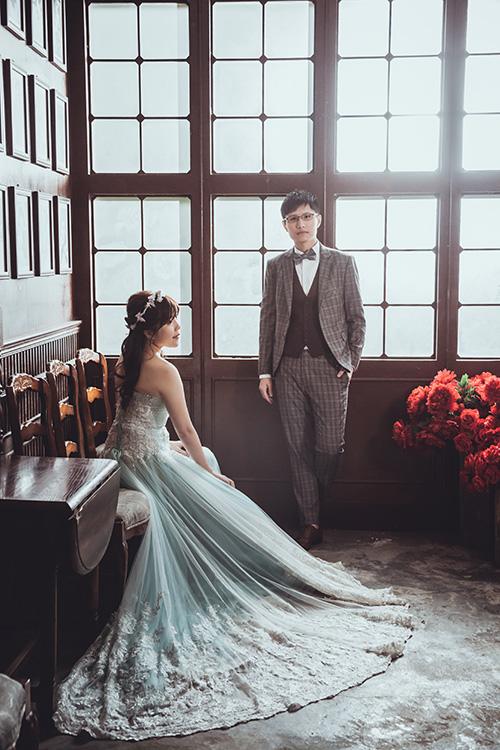 麗舍時尚婚紗,12月寒流與大雨交織的月份,結論是一輩子結一次婚就好