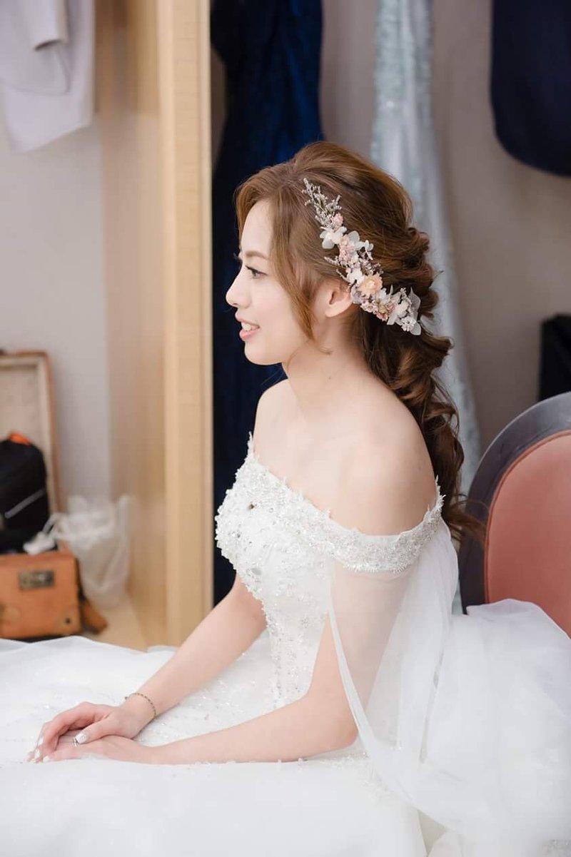 ♥結婚午宴包套加贈媽媽妝髮及新郎造型 ♥作品