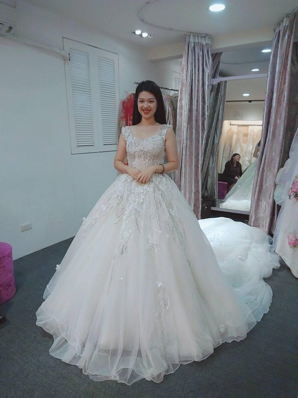 紗法亞精品婚紗,推薦紗法亞婚紗禮服秘書小如