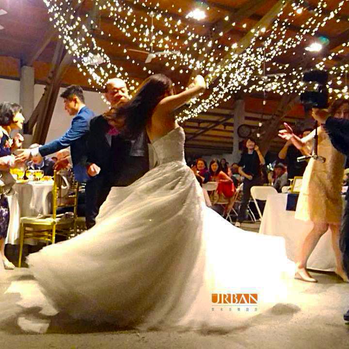 美式風格戶外派對婚禮第一支舞 - 賀本音樂設計/美式主持/互動式音樂表演《結婚吧》
