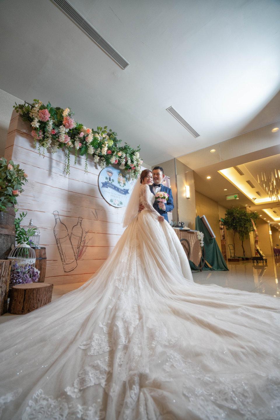 婚攝罐頭 影像團隊(網路熱推 全台服務),推薦婚攝罐頭團隊
