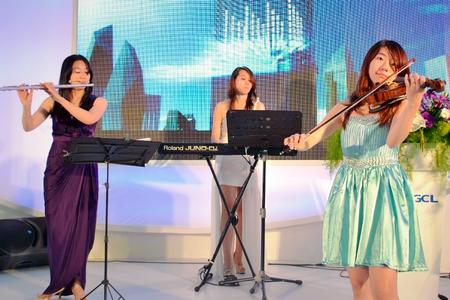 3人組樂團 世貿展演出