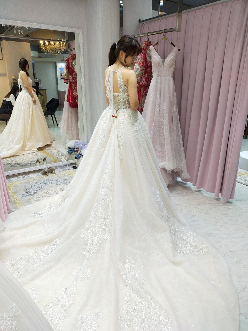 伊頓自助婚紗攝影工作室(新北板橋店),大推台北伊頓的嘉萍