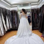 幸福感婚紗攝影工作室,幸福感拍攝前試穿婚紗