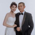 伊頓自助婚紗攝影工作室(高雄創始店),精美禮服多樣、服務態度誠懇